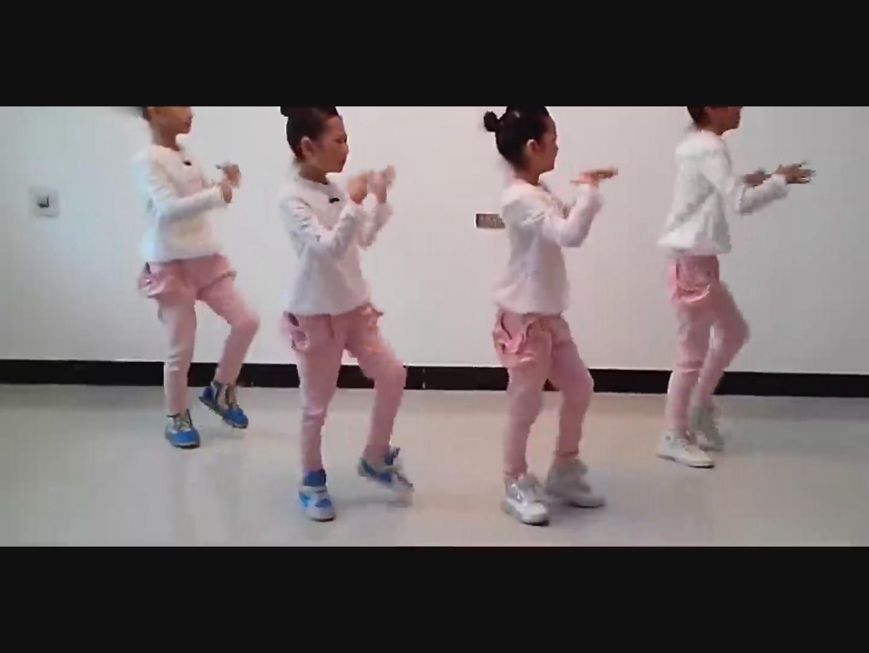 儿童版广场舞(小苹果)