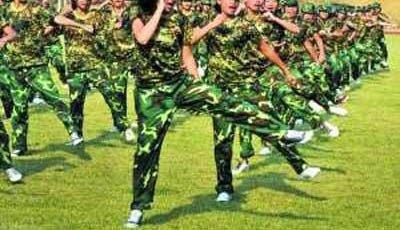 辽宁阜新高中女生军训期跳楼自杀 官方称不存在体罚