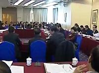 黄跃金、蔡晓明讨论政府工作报告