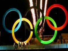 """巴西:里约揭幕""""奥运五环""""图片"""